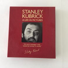 Stanley Kubrick - A life in pictures - book hardcover and dvd in box