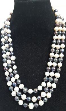 XL necklace with grey and white freshwater cultured pearls - Length: 188 cm