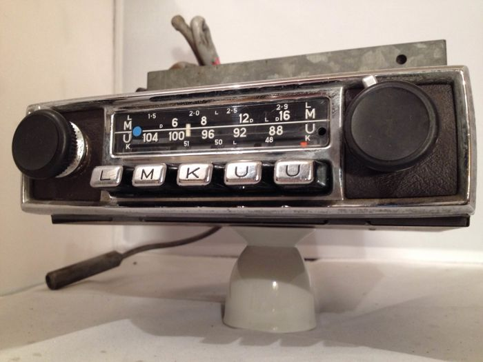 Blaupunkt Koln S classic car radio from 1968 for   Porsche / BMW / Volkswagen / Mercedes / Ferrari / and others