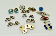 Antique & vintage tie clips buttons cuff links including 18kt fix with coral & enamel, 1909 to 1940s