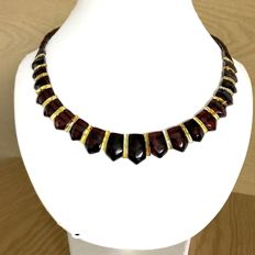 Collar flat necklace of natural Baltic amber slices (not pressed) - length 48 cm, width 20 mm - no reserve