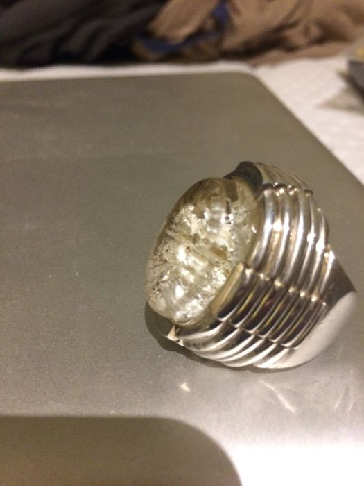 Ring made of .925 silver with quartz. Size 17