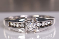 White gold diamond ring with 7 brilliants  - Size: 55 - No Reserve price!
