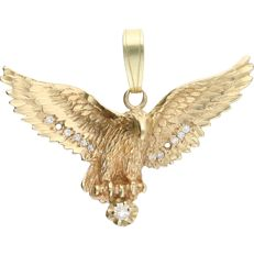 14 kt - Yellow gold pendant in the shape of a bird of prey, set with 11 round, brilliant cut diamonds, approx. 0.61 ct in total - Length x width: 4.3 x 3.3 cm