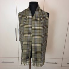 Burberry - 100% Lambswool Scarf – Almost 2m long!