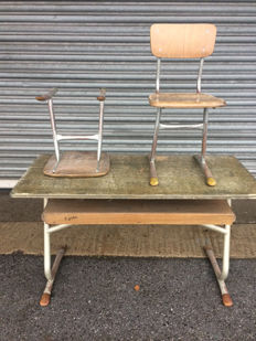 Junker - a school desk and two school chairs