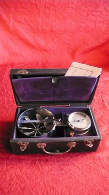 Stainless steel and glass - Portable anemometer - France - second half of the 19th.