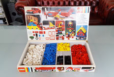 VIntage LEGO 7-3 Basic Set in the box (very rare), year: 1973