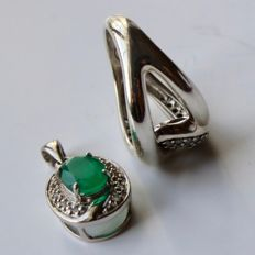 Set: Vintage Sterling silver pendant with a Chrysoprase ca. 1.77ct  + wide Sterling silver ring