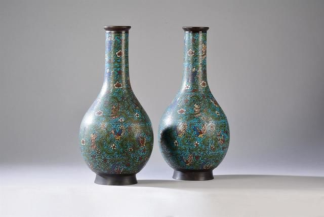 Pair of large baluster vases (46 cm) with long cloisonné bronze neck – Japan – 19th century.