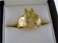 Ring 'German Shepherd' in 750 yellow gold set with 6 diamonds of approx. 0.06 ct in total - weight approx. 10.2 g