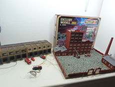 Faller N - Burning factory with fire engines and fire station