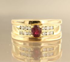 18 kt white gold ring with 0.88 ct ruby and 0.42 ct diamonds, in total - ring size 19.5 (61)