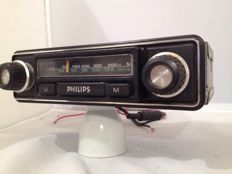 Philips 22RN351 classic car radio from the 1970s, Opel, Ford, Mercedes, Volkswagen.