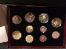 """Luxembourg - year pack/ year collection 2014, including 2 Euros """"175 independence"""" and """"50 years coronation"""""""