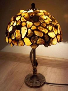 Handmade Amber lamp with inclusions and insects, incl. certificate, shade diameter: 22 cm