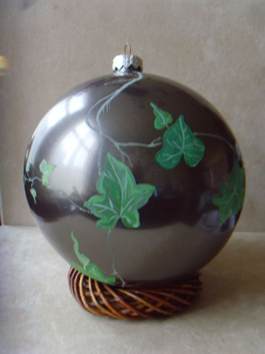RIA SCHOOF - Large Christmas bauble - painted glass - Unica 2005, the Netherlands