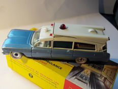 Dinky Toys - Schaal 1/43 - Superior Criterion Ambulance No.277