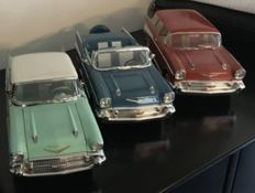 Ertl - Scale 1/18 - Lot of 3 American cars: 3 x Chevrolet