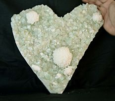 Heart Shaped Pointed Green Apophyllite With Stibite & Mordernite - 28 x 28 cm - 5650 gm