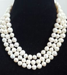 Long necklace with white freshwater cultured pearls - Length: 150 cm