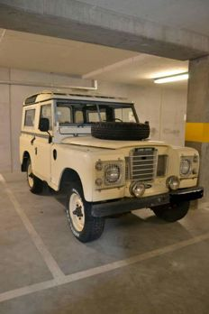 Land Rover - 88 series 3 - 1982