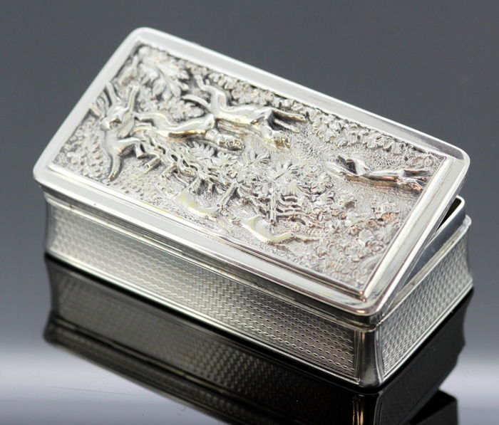 A fine William IV silver hunting snuff box - Edward Edwards II - London - 1836