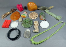 A very nice collection mineral stones and craftings - 1063 g (18)