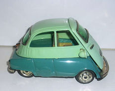 Bandai, Japan - length 17 cm - tin BMW Isetta with friction drive, 1950/60s