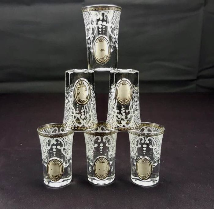 Set of 6, cut crystal glasses with enamelled engraving and medallions in hallmarked 800 silver.