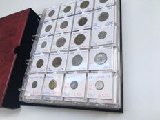 World - Lot various coins (440 different) in album