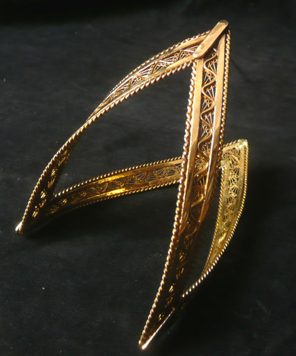 14 kt bangle, finest goldsmith's work