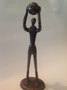 Basketball player, bronze statue, circa 1960, United States