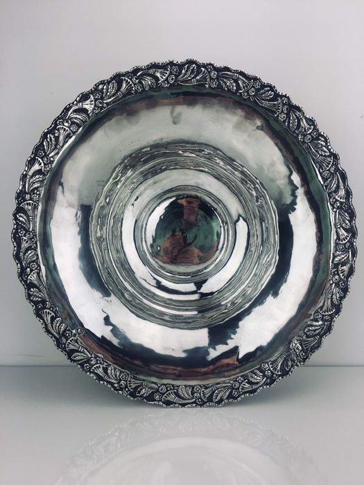 Large silver dish, Ottoman Empire, late 19th century