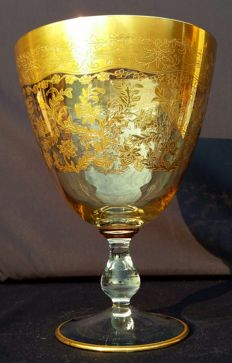 Saint Louis, Goblet in cut and chiselled crystal, decorated with a palmette and gold decorations