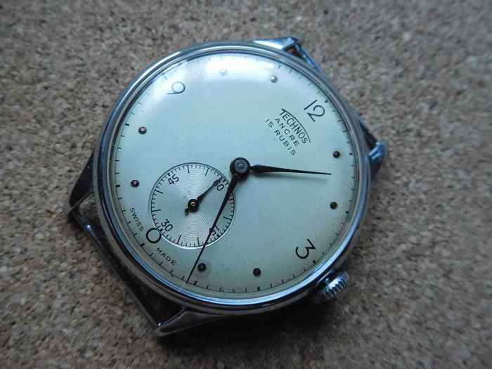 Technos Swiss Made 15 Jewels men's wristwatch from the 1960s