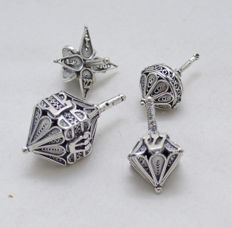 A collection of 4 silver spinning tops / dreidels for Hannukah - filigree - Israel - circa 1940