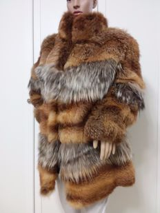 Fox fur Women's jacket / short coat Made in Italy No reserve price