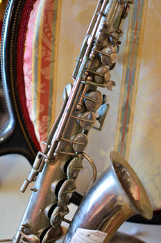 Saxophone Sax - USA - early 1900s - no reserve price -********* NO RESERVE PRICE*********