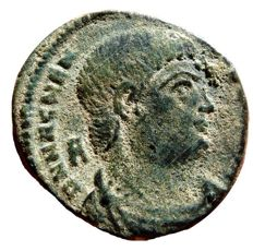 Roman Empire - Magnentius (350 - 353 A.D.) bronze maiorina (5,20 g. 22 mm.) from Arles mint. Victories holding shield inscribed VOT V MVL X. FSAR