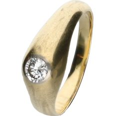 18 kt yellow gold ring set with a round brilliant cut diamond of approx. 0.28 ct.
