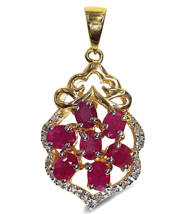 14kt Yellow Gold  Ruby - pendant