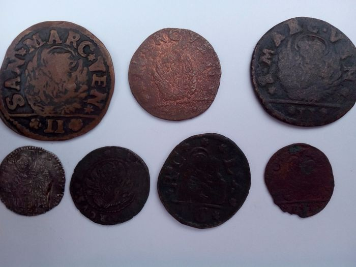 Venice - Lot of 7 coins (two for Dalmatia and Albania, one for Morea, a Mezzanine, a Sesino, a Bagattino and an anonymous coin)