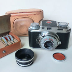 Vintage 1950s Bolsey Model B2 35MM camera - Ednalite Lens + colour filters, leather bags