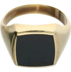 14 kt - Yellow gold signet ringset with a black onyx - Ring size: 20.5 mm