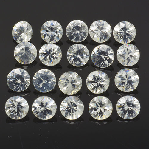 20 White Zircon - 10.01 ct (in total) - No Reserve Price