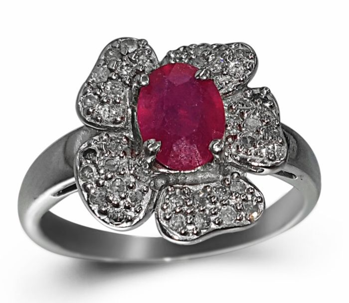 14kt  White Gold Ring Ruby - Size 7