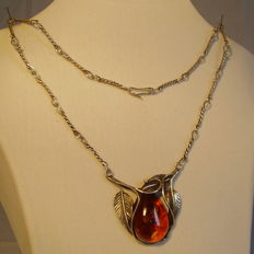 Antique necklace with natural amber droplet 30 ct between leaves, handmade circa 1930