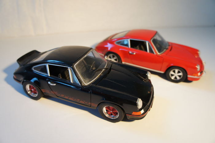 Jouef Evolution - Scale 1/18 - Porsche 911 RS 2.4L - Red and Porsche 911 RS 2.7L - Black