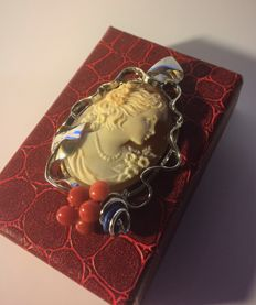 Antique silver pendant - Lovely profile of a young girl on genuine Cameo.